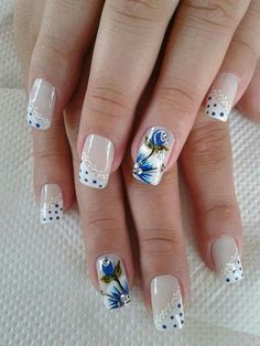Everyone loves the flower and nail art designs with the flower is very popular. You can try flower nail designs freehand using a brush or using a stamp. Flower Nail Designs, Acrylic Nail Designs, Nail Art Designs, Floral Designs, Nails Design, Beautiful Nail Designs, Beautiful Nail Art, Nail Art Dentelle, Trendy Nail Art
