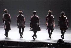 『割れても1つになる、それが嵐』さんはInstagramを利用しています:「#あらし #嵐 #ARASHI #大野智 #櫻井翔 #相葉雅紀 #二宮和也 #松本潤 #ohnosatoshi #智くん #さとやん #sakuraisho #翔くん #aibamasaki #相葉くん #ninomiyakazunari #nino #ニノ…」 Idol, Sketches, Japan, Concert, Sexy, Group, Heart, Girls, Drawings
