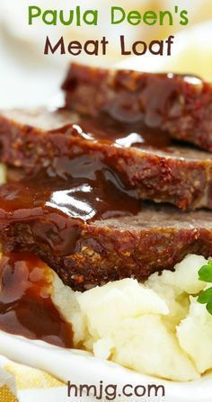 Deen's Meatloaf _ The original & the best! This recipe is light & tasty, & the zesty sauce is just perfect. You go Paula!Paula Deen's Meatloaf _ The original & the best! This recipe is light & tasty, & the zesty sauce is just perfect. You go Paula! Healthy Meatloaf, Good Meatloaf Recipe, Meat Loaf Recipe Easy, Best Meatloaf, Meat Recipes, Cooking Recipes, Paula Dean Meatloaf Recipes, How To Make Meatloaf, Meatloaf With Gravy