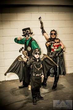 Steampunk DC Comics Parenting done right Steampunk Cosplay, Steampunk Halloween, Steampunk Crafts, Steampunk Men, Steampunk Wedding, Steampunk Clothing, Steampunk Fashion, Fantasy Costumes, Cosplay Costumes