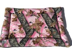 Pink Dog Pad, Mossy Oak Pet Mat, Hunting Dog Gifts, Puppy Bedding, Dog Crate Pad, Dog Bedding, Kennel Pad, Large Crate Mat, Fleece Pet Bed #HuntingDogGifts #24x36 #XlPetMat #DogBedding #PinkDogPad #LargeDogBed #DogCratePad #KennelPad #PuppyBedding #MossyOakPetMat