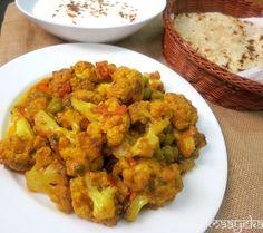 Maayeka - Authentic Indian Vegetarian Recipes: Gobhi Matar ki Subzi /Cauliflower curry