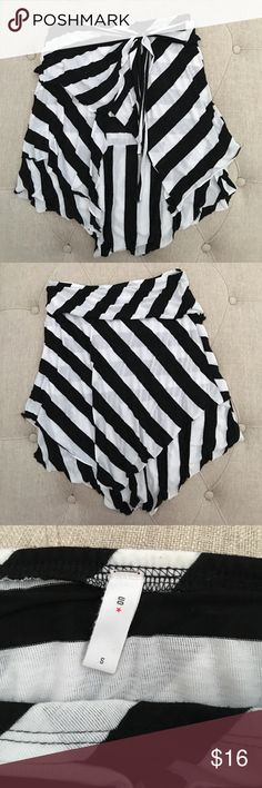 Urban Outfitter black and white striped skirt Urban Outfitter black and white striped skirt. Used good condition. Fits more XS-S however listed as S Urban Outfitters Skirts Asymmetrical