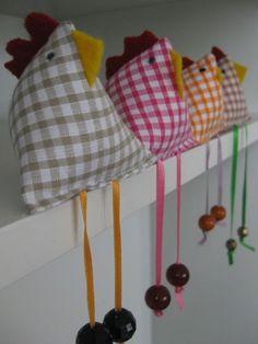 Bird Crafts, Felt Crafts, Easter Crafts, Chicken Crafts, Chicken Art, Fabric Toys, Fabric Gifts, Toy Art, Wooden Spoon Crafts