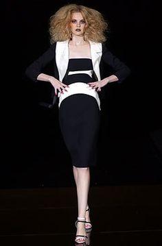 Valentino Spring 2004 Couture Fashion Show - Valentino Garavani, Caroline Trentini (Elite)