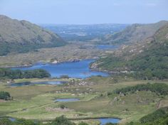 A scenic point along the N71 portion of the Ring of Kerry, Killarney National Park