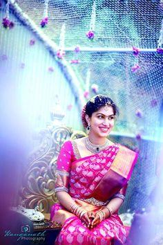 beautiful saree n bride too Indian Bridal Sarees, Bridal Silk Saree, Indian Bridal Wear, Indian Beauty Saree, Saree Wedding, Wedding Bride, Wedding Looks, Bridal Looks, Bridal Style
