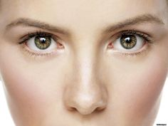 Make a face without Puffy Eyes with our EyeSecrets!