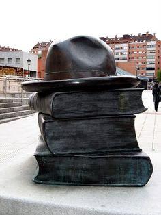 """""""Los libros que unen"""", Oviedo (Spain)"""