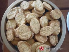 Κριτσίνια καρότου νηστίσιμα συνταγή από KATSOF - Cookpad Almond, Cookies, Desserts, Food, Crack Crackers, Tailgate Desserts, Deserts, Eten, Almond Joy