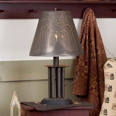 CANDLE MOLD TABLE LAMP 7 Colonial  Candles with Willow Tree Punched Tin Shade Made in USA