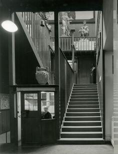 The Glasgow School of Art, built Glasgow School Of Art, Art School, Architecture Details, Interior Architecture, Interior Design, Charles Rennie Mackintosh, Glasgow Scotland, Best Cities, Art Nouveau