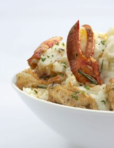 Brown-Butter Risotto with Lobster Make this luxurious rice and shellfish dish by Giada De Laurentiis. Lobster Dishes, Lobster Recipes, Seafood Dishes, Fish And Seafood, Lobster Meat, Lobster Tails, Grilled Lobster, Lobster Party, Pasta Dishes