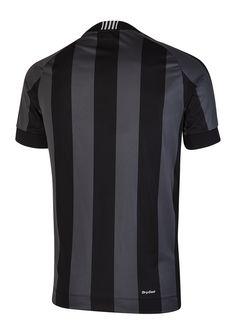 """camisa 2 - Listrado nas cores preta e cinza chumbo, o segundo manto possui gola em """"V"""" e detalhe de retilínea nas costas."""