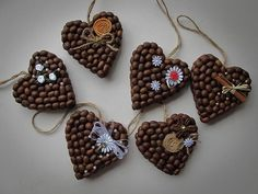 Fotografie na stene Valerija Easy Christmas Decorations, Whimsical Christmas, Valentines Day Decorations, Valentines Diy, Simple Christmas, Christmas Crafts, Christmas Ornaments, Coffee Bean Decor, Coffee Bean Art