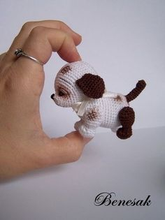 Amigurumi dog by Benesak. (Sold out but lovely inspiration).