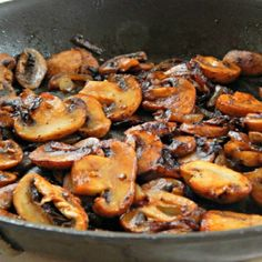 Steakhouse Mushrooms with Butter Onion Sliced Mushrooms Crushed Garlic Salt Pepper Worcestershire Sauce Steak And Mushrooms, How To Cook Mushrooms, Carmelized Onions And Mushrooms, Best Sauteed Mushrooms, Wild Mushrooms, Mushroom Dish, Mushroom Recipes, Mushroom Steak Sauce Recipe, Healthy Recipes