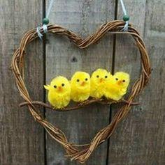 Пасхальный декор с птенчиками