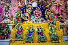 Mayapur Experience - Chandan Yatra Day -8 - Rasamandala - A tumultuous sound arose from the armlets, ankle bells and waist bells of the gopīs as they sported with their beloved Kṛṣṇa in the circle of the rāsa dance. In the midst of the dancing gopīs, Lord Kṛṣṇa appeared most brilliant, like an exquisite sapphire in the midst of golden ornaments. As the gopīs sang in praise of Kṛṣṇa, their feet danced, their hands gestured, and their eyebrows moved with playful smiles - Srimad Bhagavatam