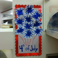 Handprint and glitter fireworks Daycare Crafts, Classroom Crafts, Baby Crafts, Toddler Crafts, Crafts For Kids, Classroom Door, 4th July Crafts, Patriotic Crafts, Summer Crafts