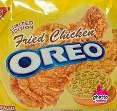 Limited Edition Fried Chicken Oreo Cookies at Walmart - WTF: This will be selling out big. Imagine the delicious taste of an oreo combined with your favorite fr Weird Oreo Flavors, Pop Tart Flavors, Cookie Flavors, Gross Food, Weird Food, Fake Food, Crazy Food, Funny Food Memes, Food Humor