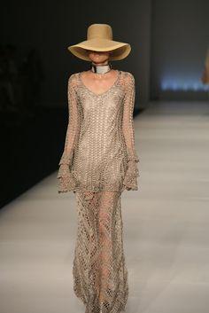 Marcinha crochê: VESTIDOS DE CROCHÊ MARAVILHOSOS!!! CROCHET AND TRICOT INSPIRATION: http://pinterest.com/gigibrazil/crochet-and-knitting-lovers/