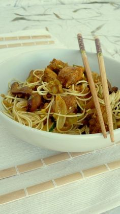 chicken, mushroom and noodles with lemongrass wok