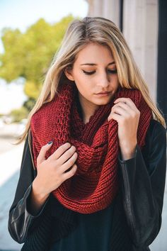 This gorgeous Chunky Knit Infinity Scarf is the perfect accessory for Fall & Winter. It features a heavyweight thick knit fabric that goes perfect with any outfit. You will want to wear this beautiful