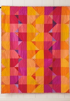 Summer from Quilt Giving: 19 Simple Quilt Patterns to Make and Give by Deborah Fisher Patchwork Quilting, Scrappy Quilts, Easy Quilts, Mini Quilts, Owl Quilts, Hand Quilting, Orange Quilt, Quilt Modernen, Modern Quilt Patterns
