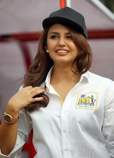 Huma Qureshi Unseen Photos In Hot White Shirt Bollywood Celebrities, Bollywood Actress, Beautiful Girl Image, Beautiful Women, Hot Saxy, Deepika Padukone Style, Huma Qureshi, Beautiful White Dresses, Bikini Girls