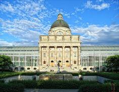 Bayerische Staatskanzlei vom Hofgarten, München, Munich. Hofgarten, Odeonsplatz, 80593