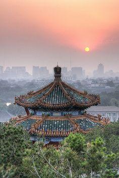 Temple sur la Colline du Charbon (Pekin).