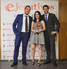 ¡Estamos muy contentos! Ya tenemos el galardón a la 'Mejor Agencia de Comunicación de Andalucía' en los XI Premios de la Revista Ejecutivos. Podéis ver la noticia en este enlace: http://www.asociacionprensa.org/es/noticias/noticias-de-comunicaci%C3%B3n/3302-galard%C3%B3n-a-%E2%80%98mejor-agencia-de-comunicaci%C3%B3n-de-andaluc%C3%ADa%E2%80%99-en-la-xi-edici%C3%B3n-de-los-premios-ejecutivos.html?hitcount=0