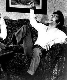 I love to see pictures of Elvis laughing! I love to hear his laughter it was so contagious!