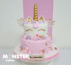 Unicornio en fondant Monster Cakes Ana Del Rio Cartagena de Indias Pedidos Whatsapp 3153256282