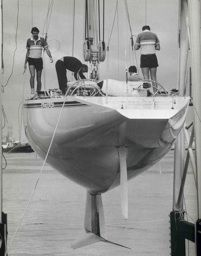 """In 1983, Alan Bond's Ben Lexen designed the 12 Metres yacht """"Australia II"""". She was the first challenger to win in the history of the America's Cup."""