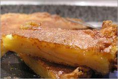 Pastel de manzana / 1/2 taza de harina de trigo normal. 1/3 taza de azúcar. 1 cucharada de levadura química en polvo. 1/8 cucharada de sal. 1 cucharada de extracto de vainilla líquida. 2 huevos grandes, ligeramente batidos. 2 cucharadas aceite de oliva no virgen. 1/3 taza de leche. 6-8 manzanas grandes.