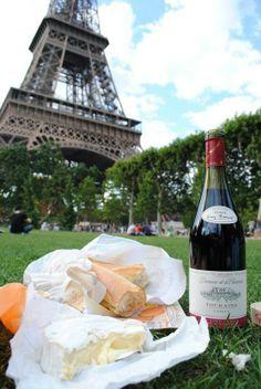 Picnicing in Paris