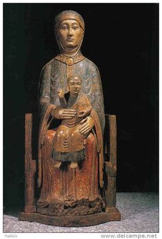Vierge Romane de Saugues, 1150. France / romanesque / madonna and child / wood sculpture