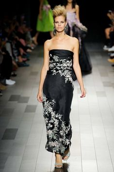 fc0741560ba29 MARCHESA COUTURE STRAPLESS BLACK SATIN FACED ORGANZA GOWN.  marchesa  cloth    Couture Fashion