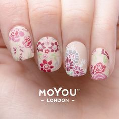 flower power nail art mani 1