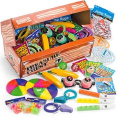 Amazon.com: Fun Express Deluxe Treasure Chest Toy Assortment (50 Piece): Toys & Games