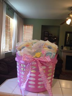 Baby shower gift basket 2 outfits jumbo pack diapers package wipes receiving blakets headbands and teether Baby Shower Gift Basket, Baby Shower Signs, Shower Gifts, Baby Boy Shower, Baby Shower Parties, Baby Shower Themes, Shower Ideas, Girl Gift Baskets, Diy Baby Shower Decorations