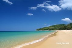 So can we say finally that high season is here to stay? Enough back and forth, we want it BLUE! (right?) This is Naithon Beach in case you want to know.