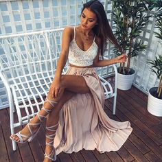 Love this outfit  Our 'Oh My Days' crop + 'Under The Twilight' maxi skirt are perf together  Shop them now via the link in our bio ☝️ #showpo