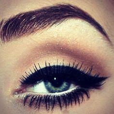 blue eyes mascara eye liner brow