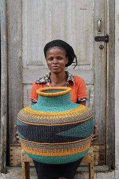 Jemima 10 Cows Basket by Assibi Ayelma African Pottery, African Home Decor, African Interior, French Style Homes, Art Africain, European Home Decor, African Textiles, Basket Decoration, African Design