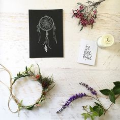 I love to celebrate australian small businesses  . My Native Leaf Dreamcatcher.  Native Flower Crown by @fernandfae.  Be-YOU-tiful print by @almacustomdesigns.  Essential Oil Candle by @relaxed_earth. . . . . #australianmade #girlboss #mumswithhustle #mumssupportingmums #girlbosses #perthgirlboss #madeinaustralia #australianbusiness #supportingsmall #supportsmallbusiness #supportsmall #buylocal #australiannatives #handmadeisbetter #handmadedecor #handmadecandle #flowercrown #dreamcatcher…