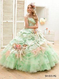 爽やかグリーンでお花畑風♡カラードレスはお花のドレスで決まり!*グリーン編*にて紹介している画像