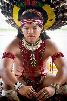 Countries In America, Ecuador, Amazon People, Native American Spirituality, Tribal Costume, Indian People, Ethnic Looks, Indian Tribes, Tribal People